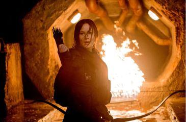 mockingjay-part-2-katniss-fire-still